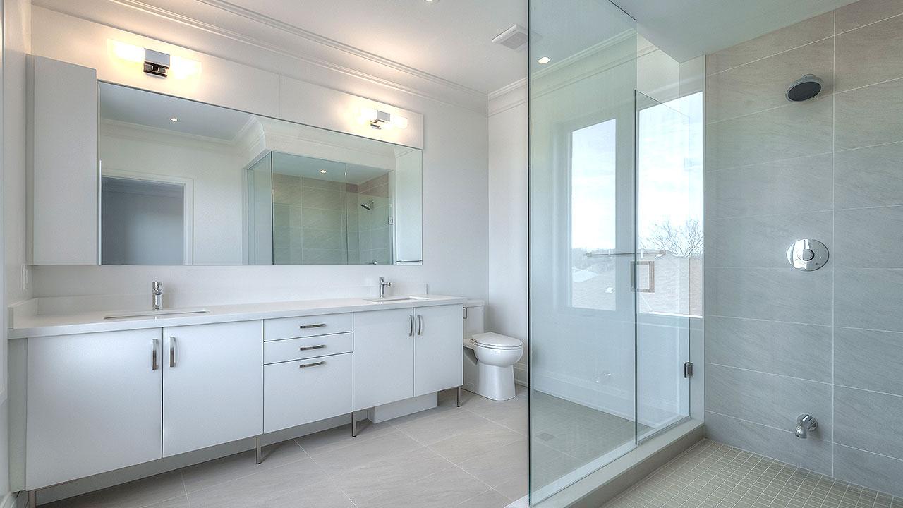 Luxe_Master_Bath_1280x720